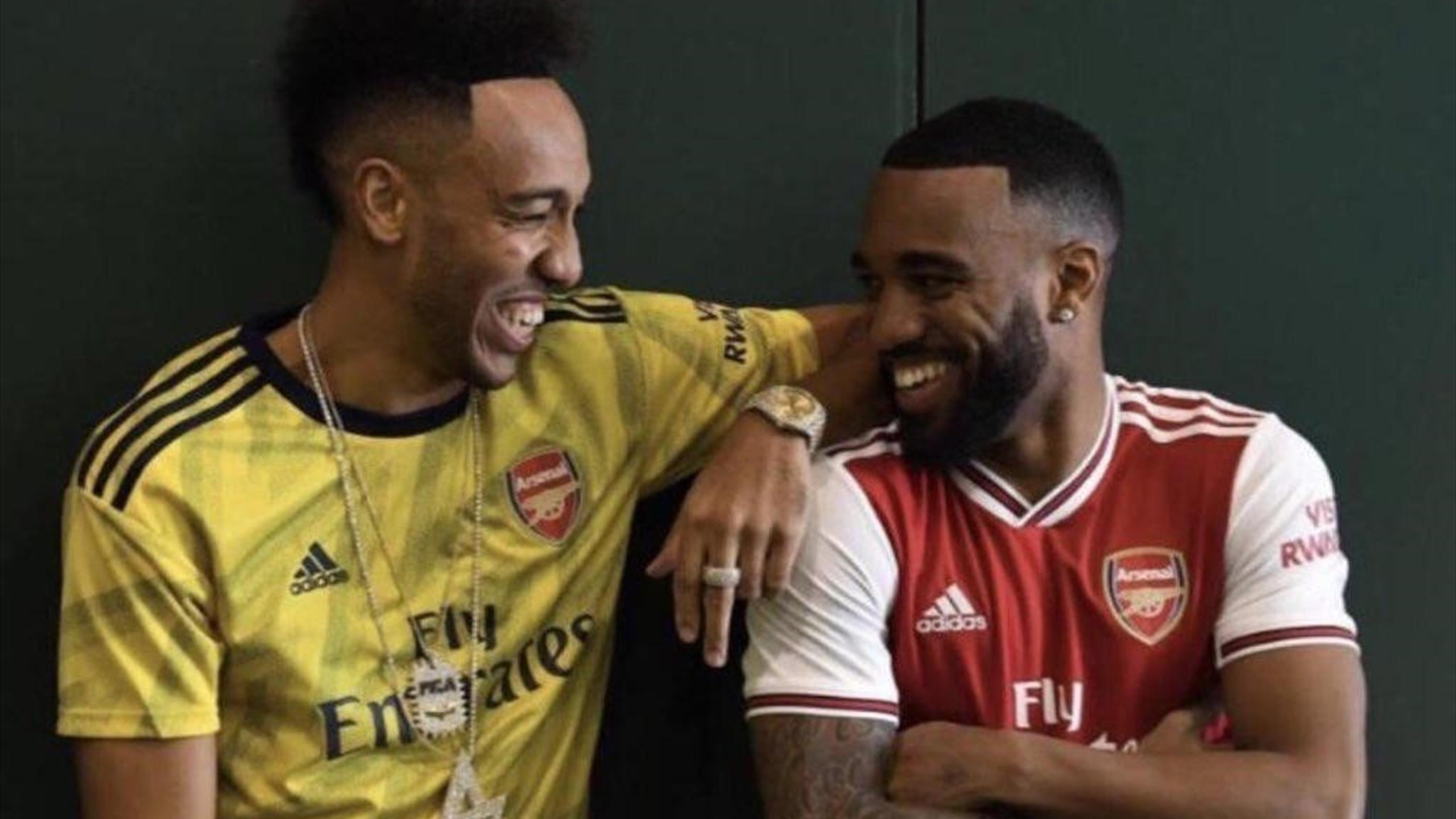 Арсенал лондон жёлтая форма