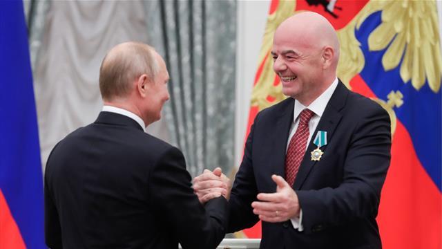 «Слава России!» Инфантино поблагодарил Путина за орден Дружбы