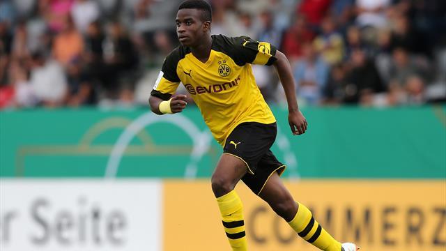 Veto von Skibbe: BVB will Moukoko erstmal nicht für den DFB freigeben