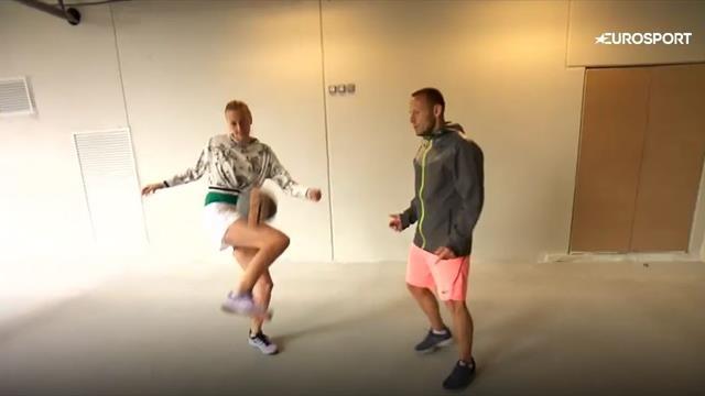 Крутой футбольный скилл Квитовой, которая управляется с мячом лучше игроков РПЛ