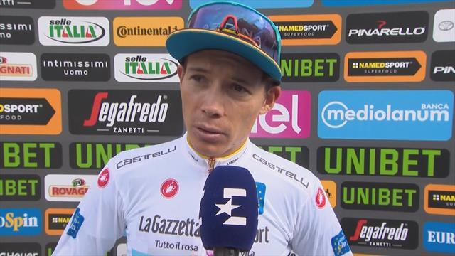 La UCI estudia descalificar a Supermán López del Giro por su agresión a un aficionado