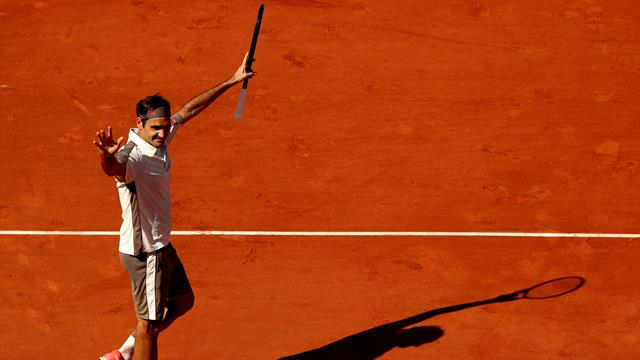 Federer battles past Ruud to reach last 16 in historic win