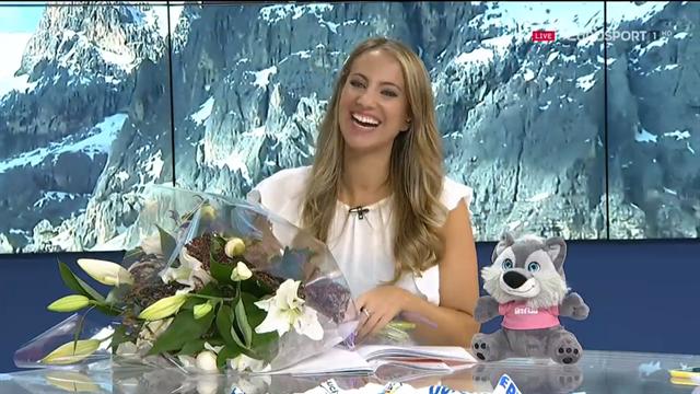 La sorpresa a Laura Meseguer en directo en 'La Montonera', ¡un ramo por su boda que le emocionó!