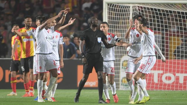 Scène folle à Tunis : le Wydad abandonne en plein match, l'Espérance titrée !