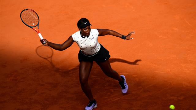 Stephens sees off Muguruza to reach French Open quarter-finals