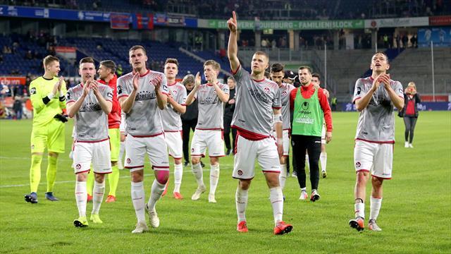 Dank Retterspiel gegen Bayern: Kaiserslautern erhält Drittliga-Lizenz