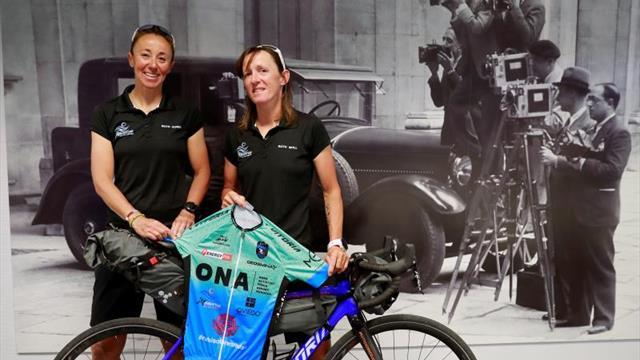 Dos españolas cruzan Irán en bici por la igualdad
