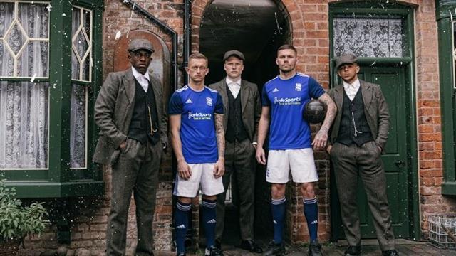 """En mode """"Peaky Blinders"""", Birmingham présente son nouveau maillot"""
