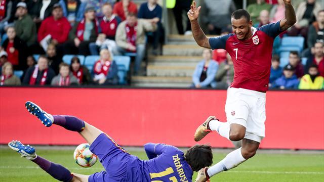 King foreslår alvorsprat blant spillerne uten Lagerbäck og «Perry»: – Vi skuffet dem