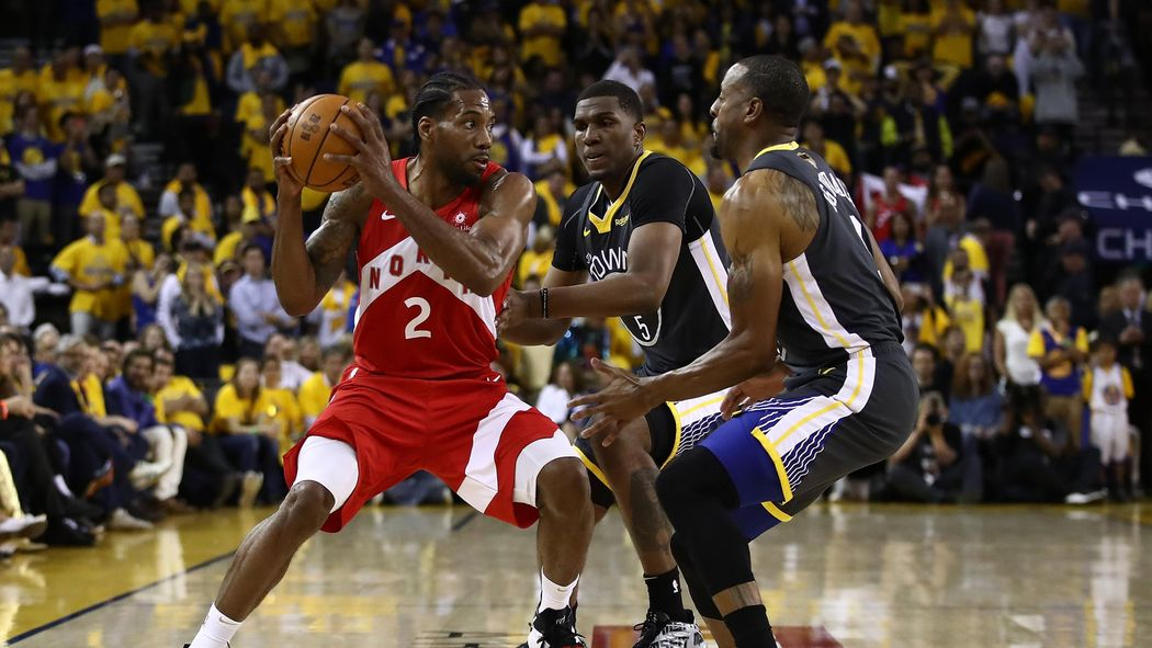 b44e20d9def8d NBA : Kawhi Leonard, le roi du Nord parti pour mener Toronto à son premier  titre - NBA 2018-2019 - Basketball - Eurosport