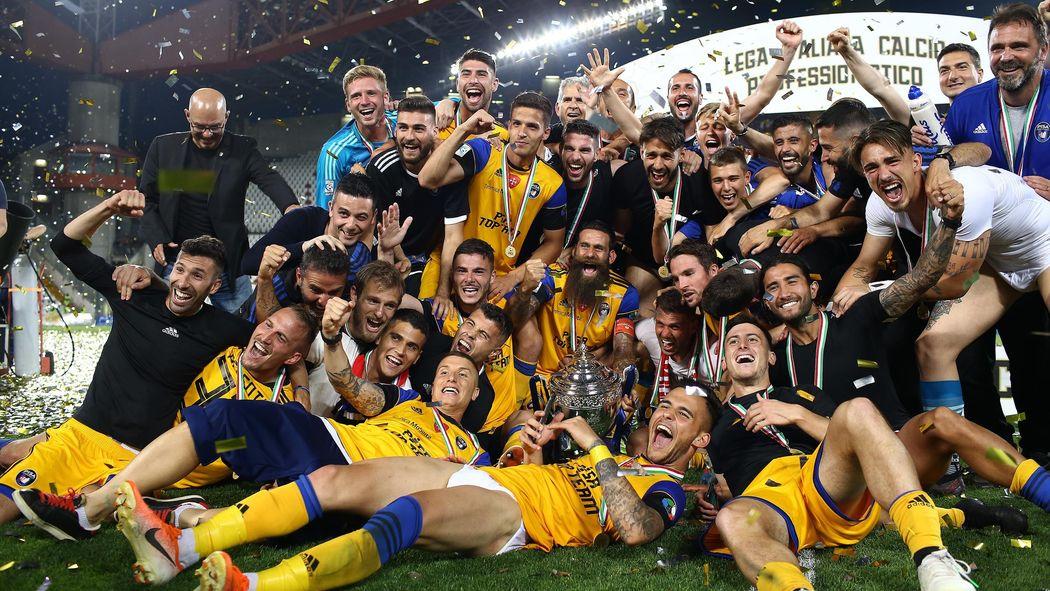 Triestina Calcio Calendario.Il Pisa Torna In Serie B Battuta La Triestina 3 1 Al Nereo