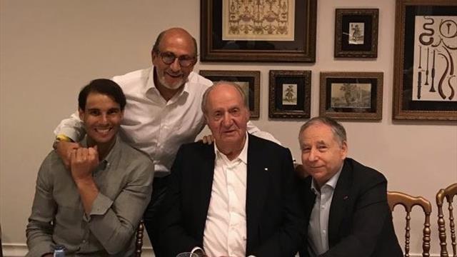 El peculiar grupo de amigos con el que Nadal celebró su 12º Roland-Garros
