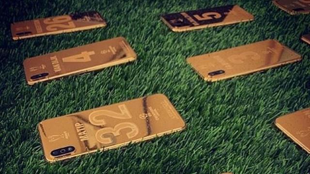 iDesign Gold подарила Клоппу и игрокам «Ливерпуля»золотые именные айфоны за победу в ЛЧ