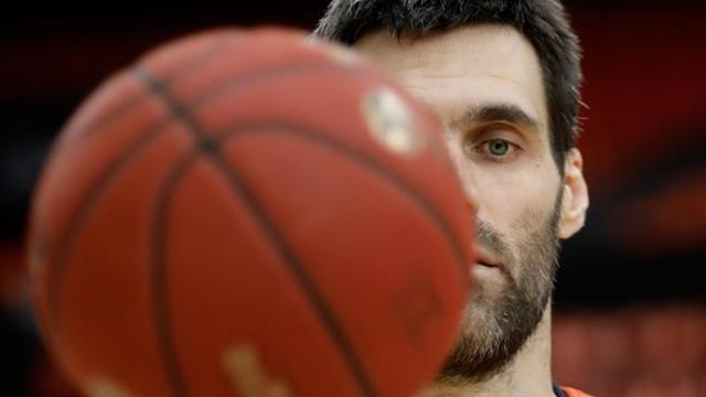 El Valencia Basket hace efectiva la cláusula para renovar a San Emeterio