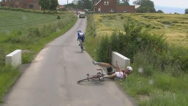 Campenaerts crashes attempting to stick to Evenepoel's wheel