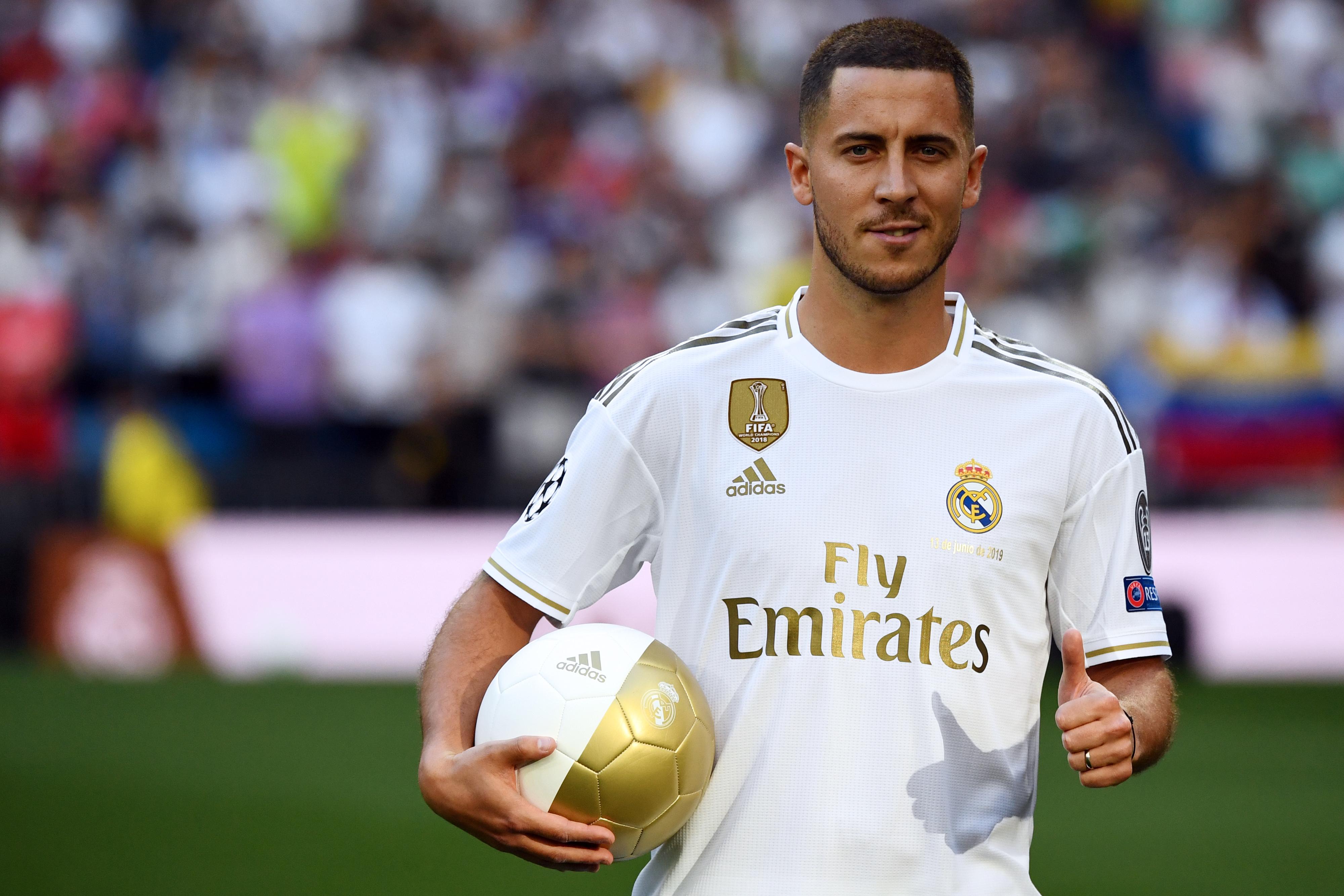 Eden Hazard, Chelsea'den ayrıldı ve Real Madrid ile sözleşme imzaladı.