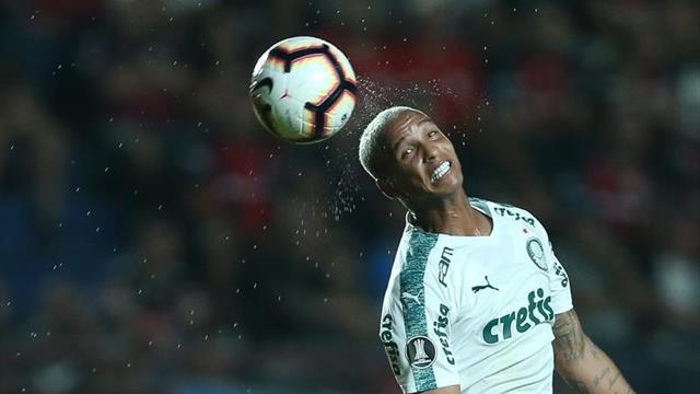 El Palmeiras ratifica su liderazgo con goles de Deyverson y Bruno Henrique