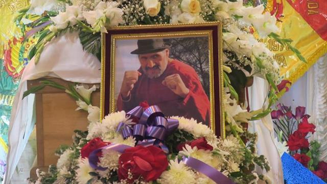 Una multitud despide al gigante 'Tataque' Quisbert, icono del boxeo boliviano
