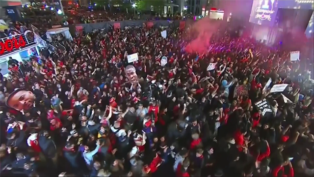 Raptors campioni: parte la festa dei tifosi per le vie di Toronto