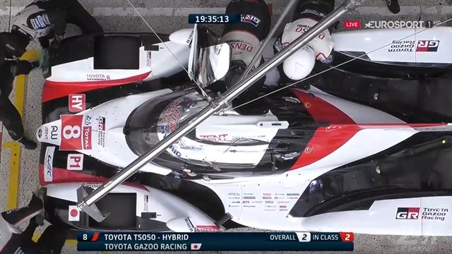 🔃🚨 Vuelco a las 24 Horas de Le Mans y el Toyota de Alonso pasa a liderar la carrera