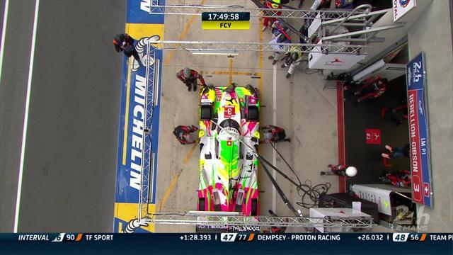 """Le miracle de ces 24H : Laurent tape un rail de face et fait réparer en 2'30"""" top chrono"""