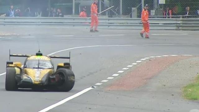 De Vries sorgt für Überraschung: Erst Crash - dann auf drei Reifen in die Box