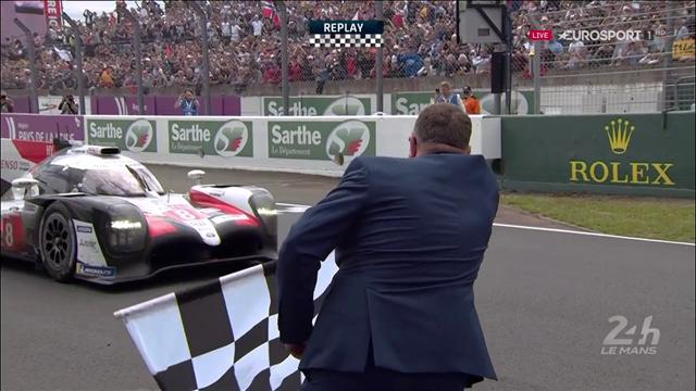 Finalmente il traguardo: Fernando Alonso fa doppietta a Le Mans con la Toyota