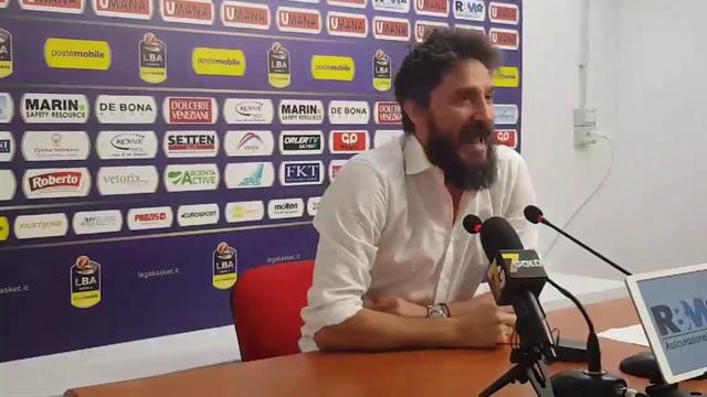 """Pozzecco furia in sala stampa: """"Io non piango, chi lo fa vada a fan... Spero di perdere la prossima"""""""