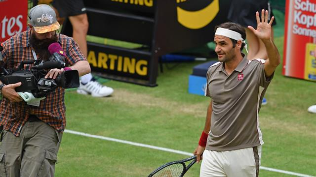Federer comes through tricky Tsonga test to make Halle quarters