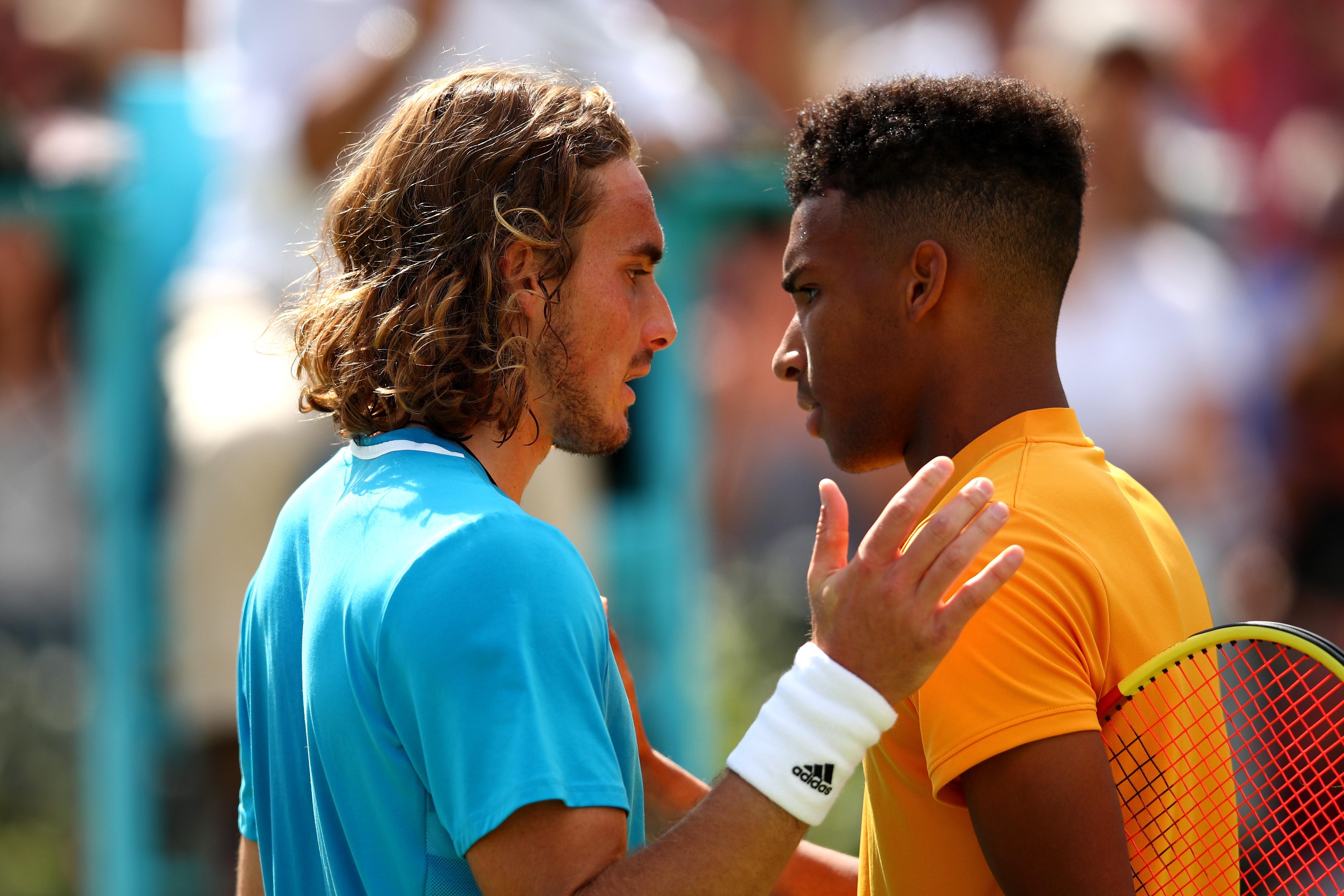 Stefanos Tsitsipas et Félix Auger-Aliassime après leur duel en quarts au Queen's