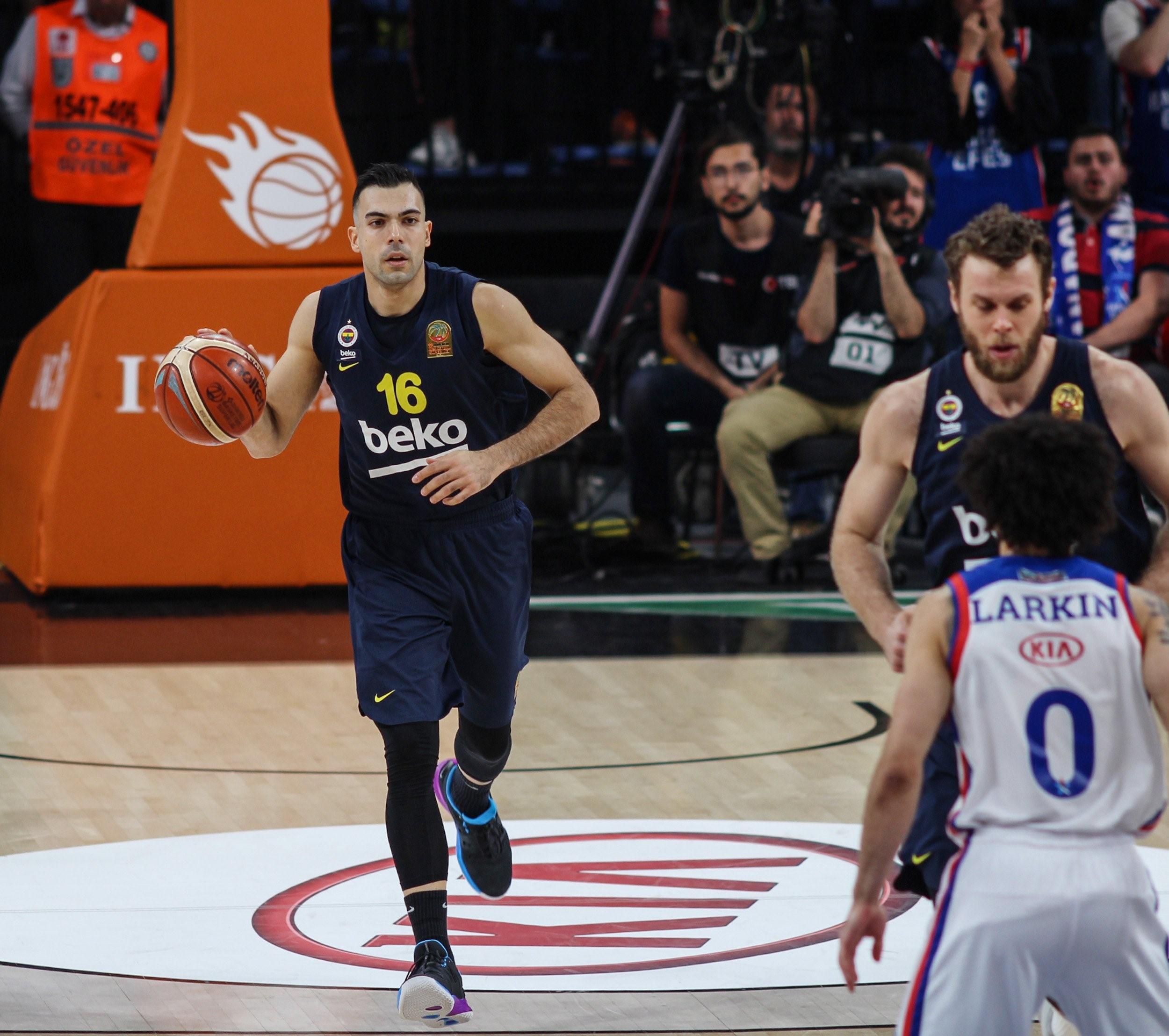 Kostas Sloukas (Fenerbahçe Beko) vs Anadolu Efes