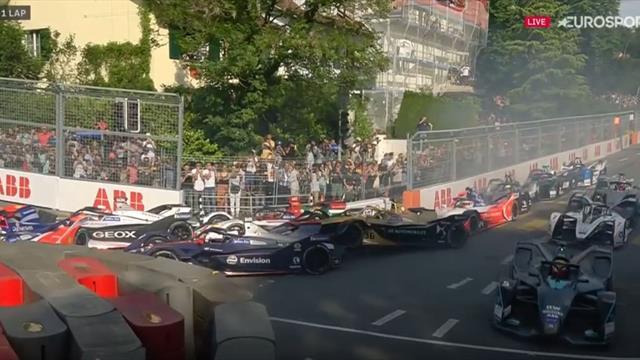 """Riesenunfall!"" Formel-E-Start endet im Chaos"