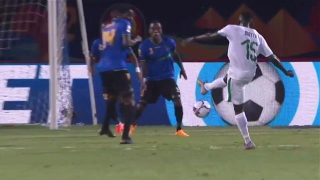 Copa África 2019: ¡Así se le pega de primeras! Derechazo imparable de Diatta para Senegal
