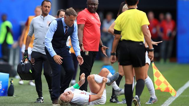"""Neville n'a pas digéré le comportement des Camerounaises : """"J'ai honte, ça me rend triste"""""""