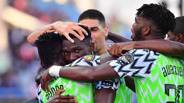 Nigeria agli ottavi di finale: 2-0 alla Guinea, Super Aquile già avanti