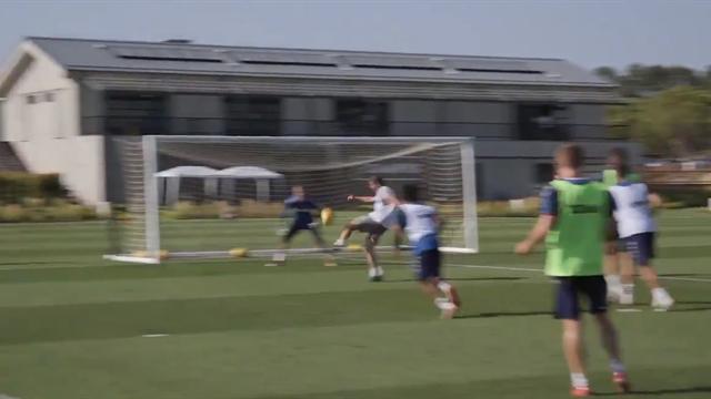 WATCH - Gerrard scores belting volley in Rangers training