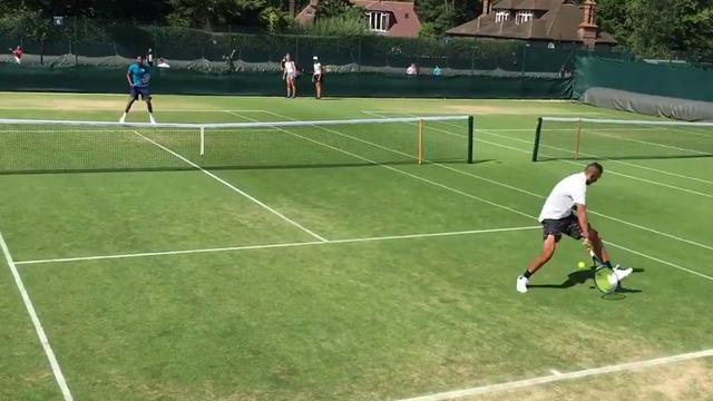 Кирьос и Монфис провели совместную тренировку – столько трюков и понтов теннис еще не видел