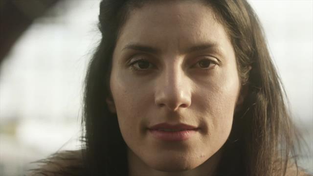 Bandera & Familia: La historia de Raheleh Asemani, de refugiada iraní a competir por Bélgica