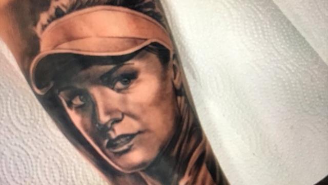 «Для меня честь носить тебя на коже». Фанат шокировал Бушар тату с ее изображением