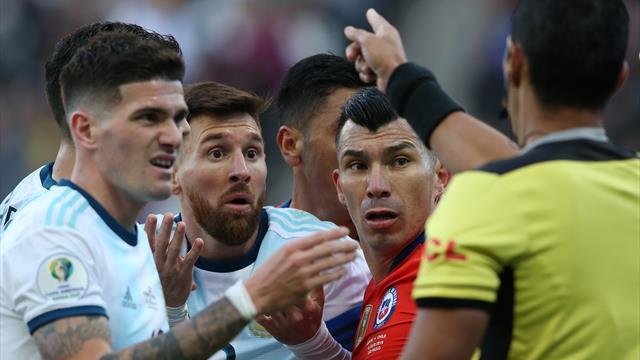 Une provocation et un combat de coq :Messi expulsé après une vive altercation avec Medel