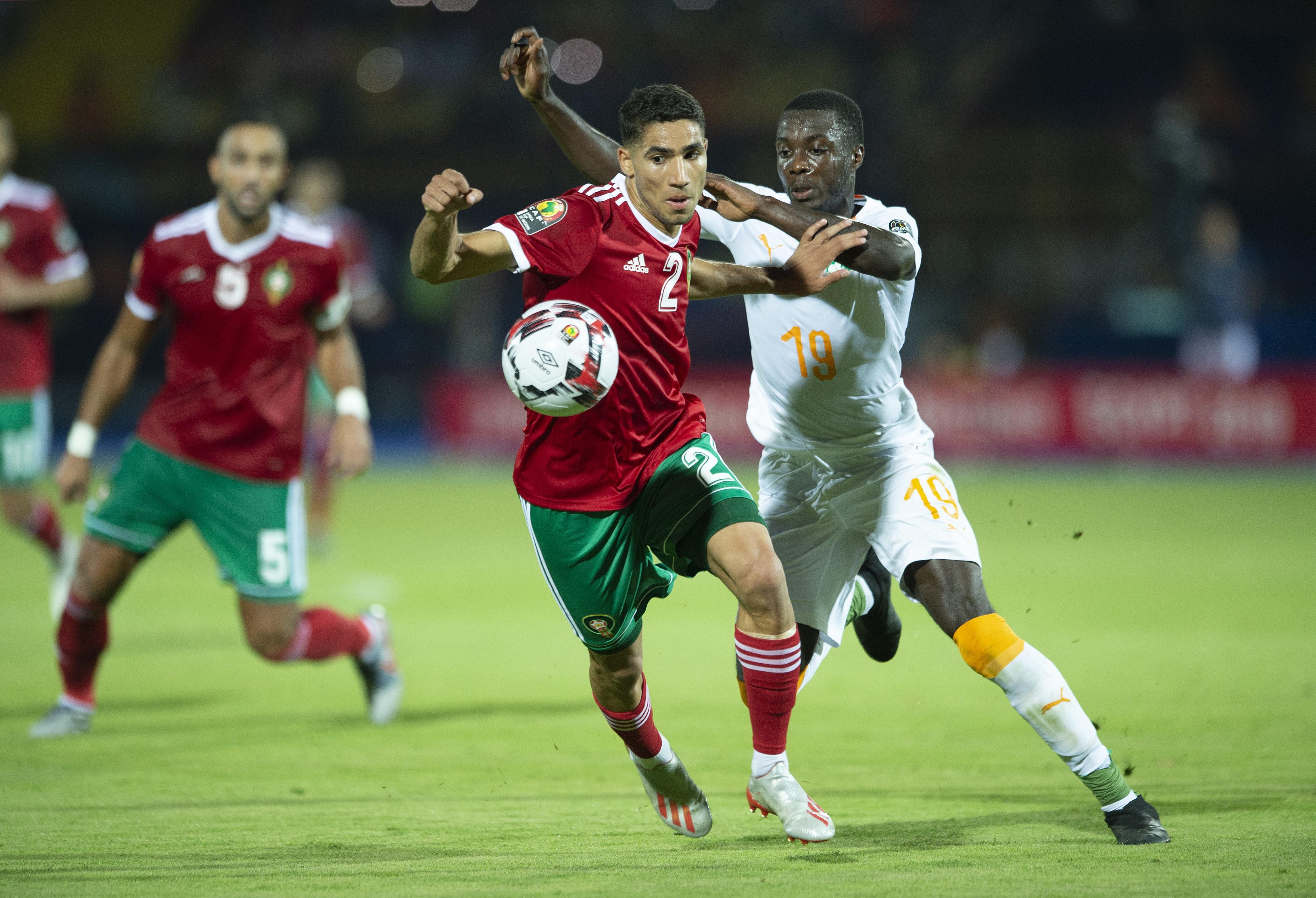 Achraf Hakimi et Nicolas Pepé lors de Côte d'Ivoire - Maroc à la Coupe d'Afrique des nations 2019