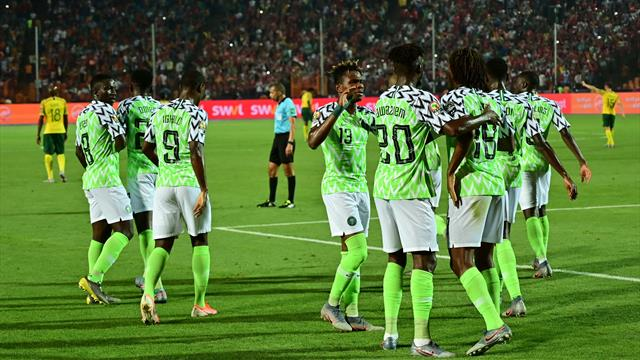 Nigeria vence a Sudáfrica en el 89' y ya espera rival en semifinales