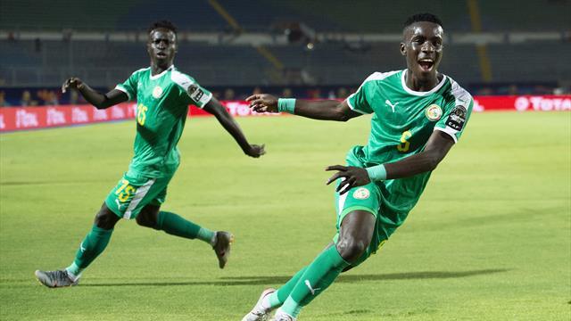 Brilliant Idrissa Gueye goal sends Senegal through