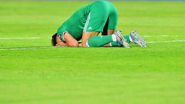 Espectacular penalti a Bounedjah... y espectacular error