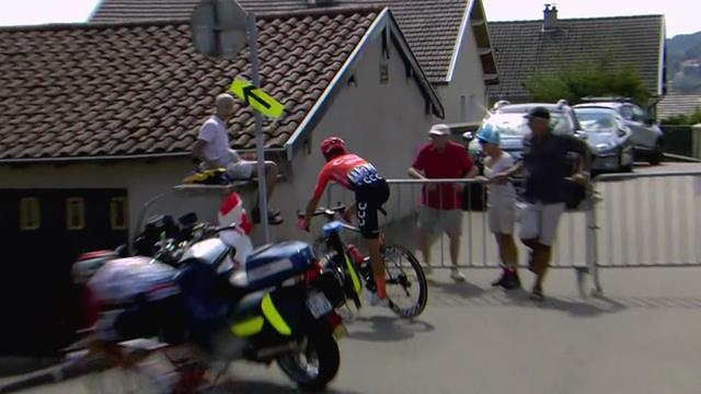De Marchi makes wrong turn on descent, nearly clatters into barrier