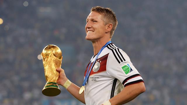 Bastian Schweinsteiger raccroche les crampons — Officiel