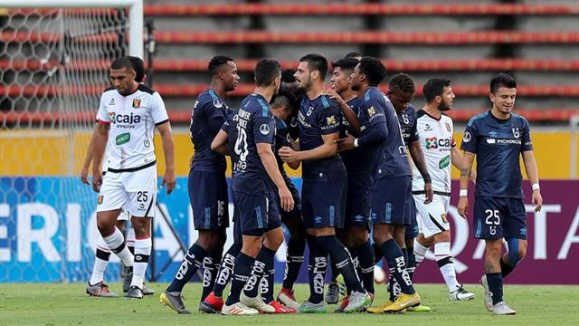 El argentino Leguizamon, autogol y lesión en su debut en el campeonato de fútbol en Ecuador