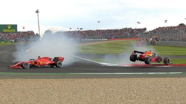 Duello con scintille a Silverstone: Sebastian Vettel tampona Max Verstappen