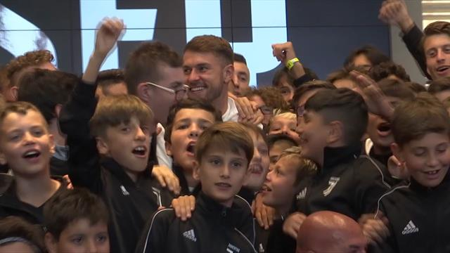 'Ole, ole, ole, ole, Ramsey, Ramsey' - Welshman gets hero's welcome at Juventus
