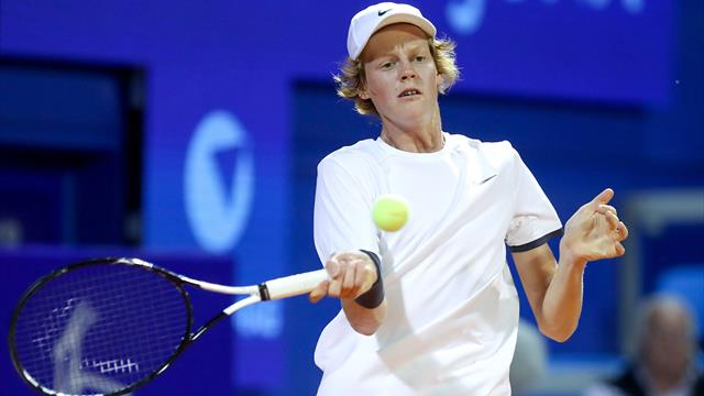Tennis - L'ascolano Travaglia ha battuto Fognini in Croazia